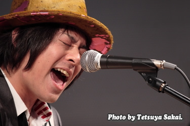 GLASS TOP:小林 佳 Kei Kobayashi