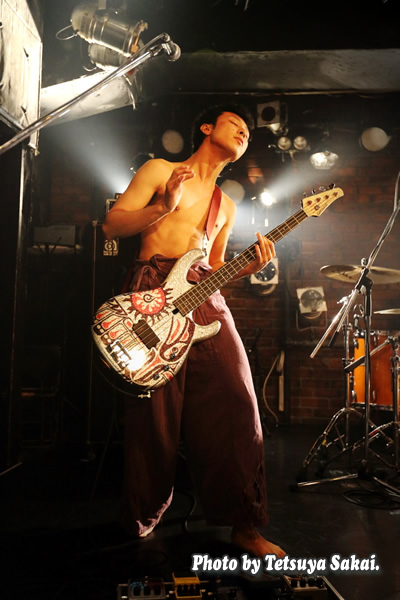 Wicked Swan :柴田拓也(Bass)